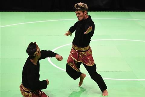 Chu nha Malaysia tung tro ban de gianh HCV Sea Games 29 hinh anh